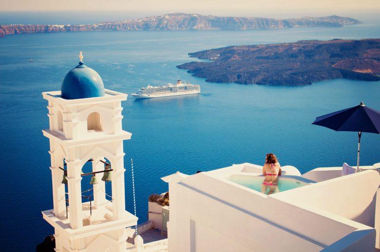 Insula Santorini – Calatorii in 500 Cuvinte