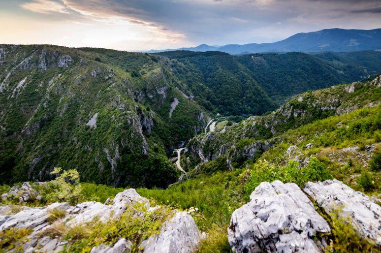 Cheile Sohodolului – Incursiune in Lumea Fascinanta a Muntilor Valcan