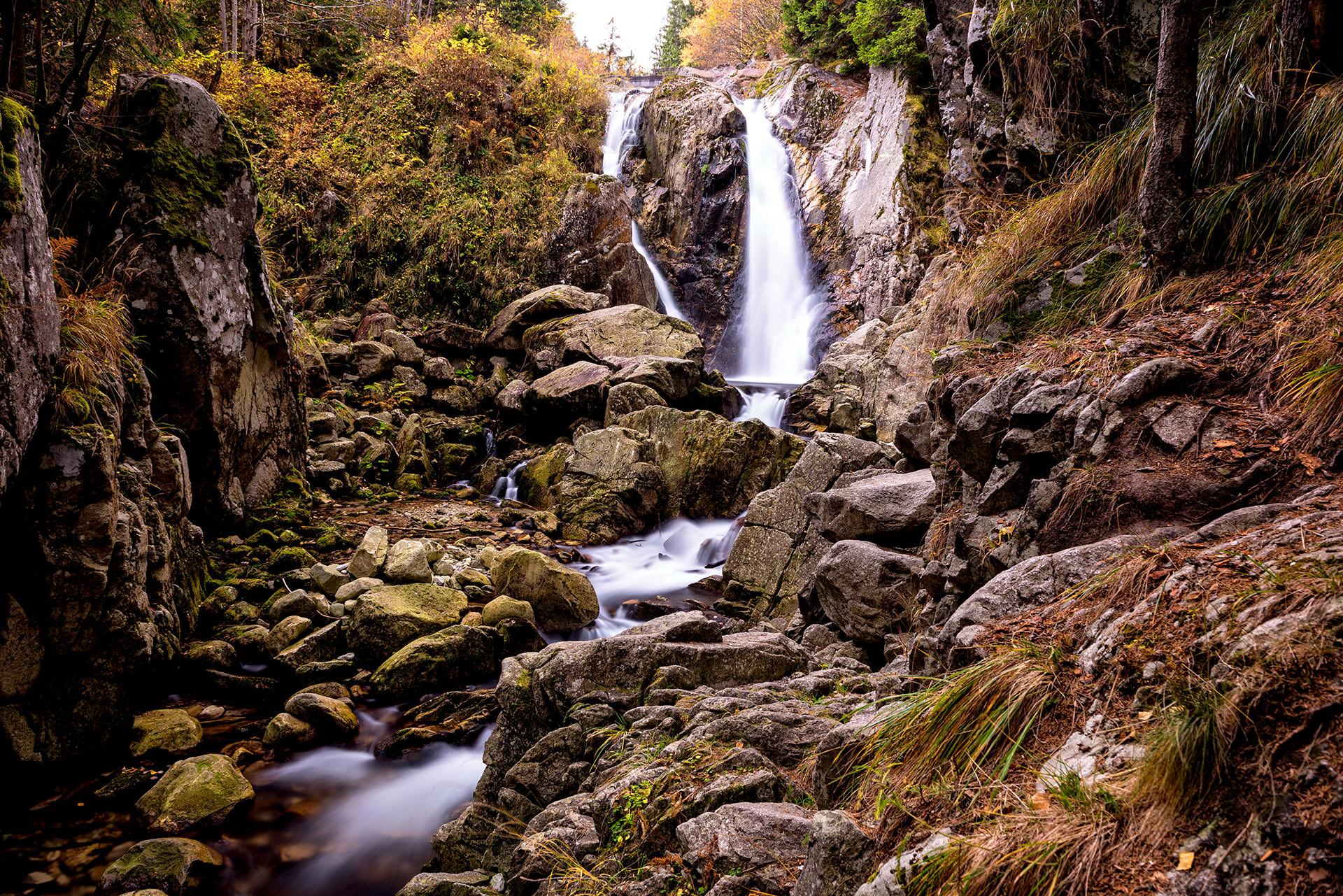 Tara Hategului - Cascada Lolaia