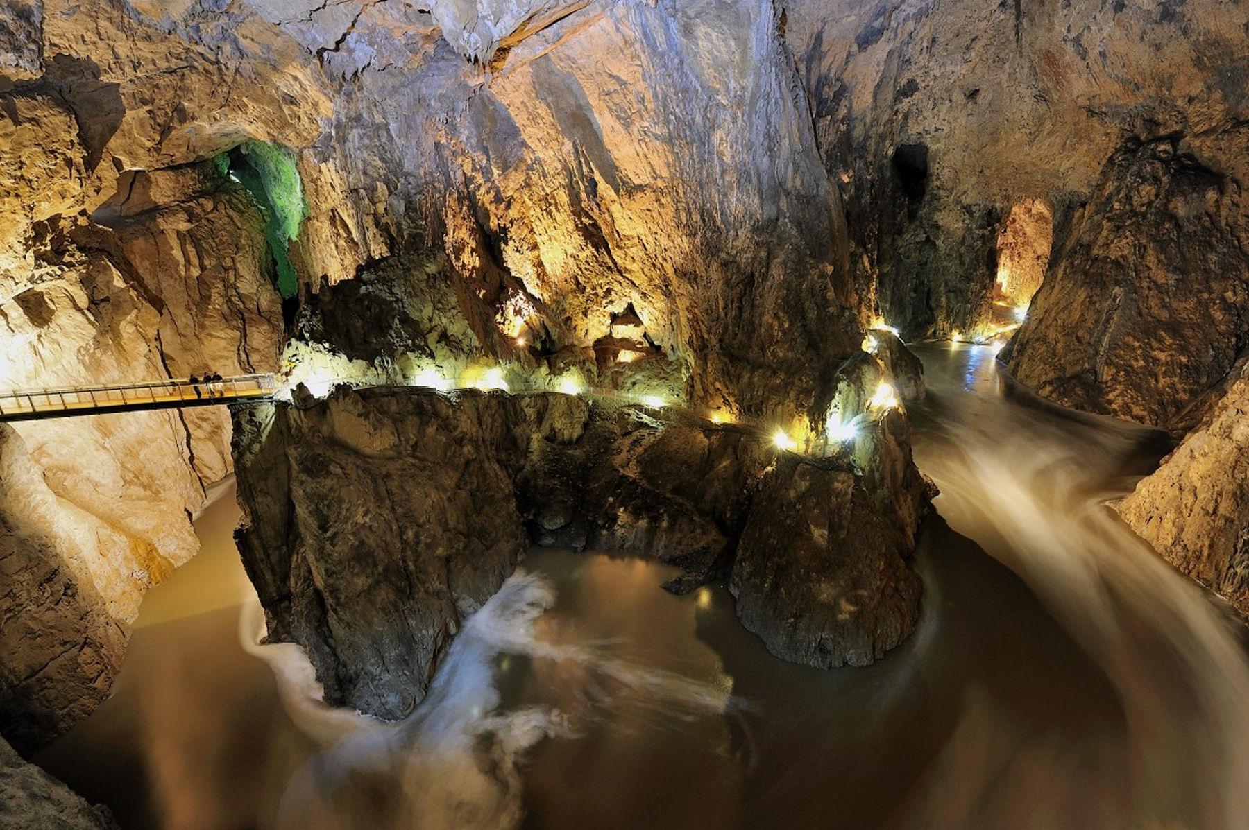 Destinatii Turistice Slovenia - Pesterile Skocjan Slovenia